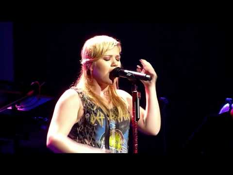 Kelly Clarkson - 'Breathe Me' (Sia Cover)