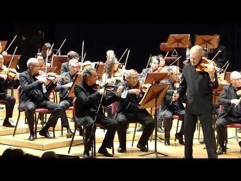 SHLOMO MINTZ junto a la OSN- II.Scherzando. Allegro molto (Sinfonía española, op.21)-00107