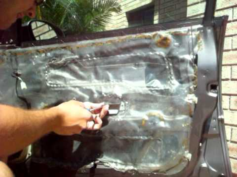How To Remove Vt Vz Door Handles Youtube