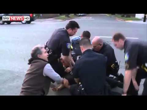 Sacramento Police and a Citizen Take a Suspect Into Custody: all caught on video!