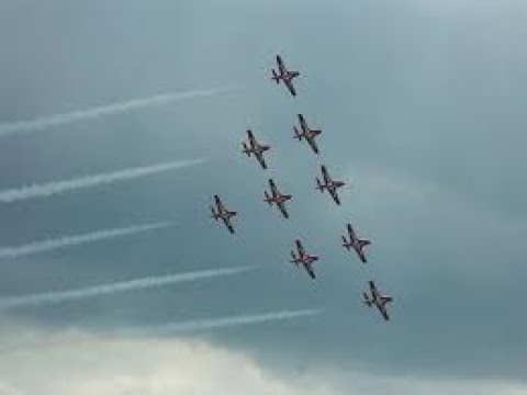 Snowbirds at the Barrie Air show....June 28, 2017