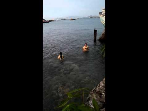 เกาะสีชัง ริมทะเล รีสอร์ท(ตะเพียนทอง)