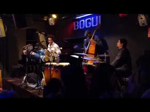 Yuvisney Aguilar & Afro Cuban Jazz Quartet (AFRO-SUITE)