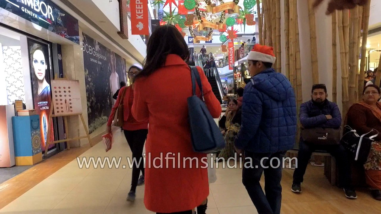 a4f7836d Shopping in India: Fly around India's No. 1 mall - Select CityWalk at  Christmas time
