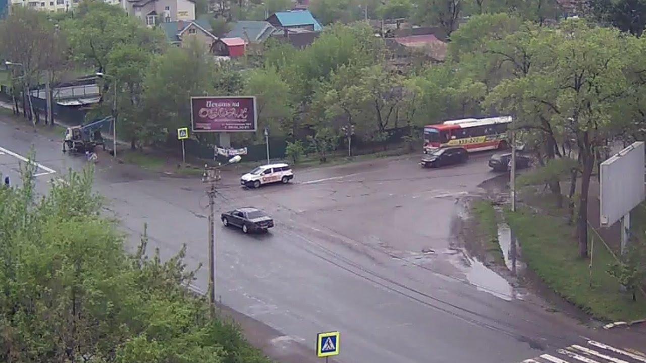 Уссурийск ДТП 14 мая ул. Некрасова ул. Комарова перекресток