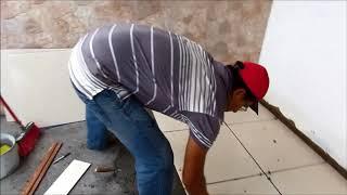 Faça você mesmo o recorte do piso cerâmica de maneira fácil.