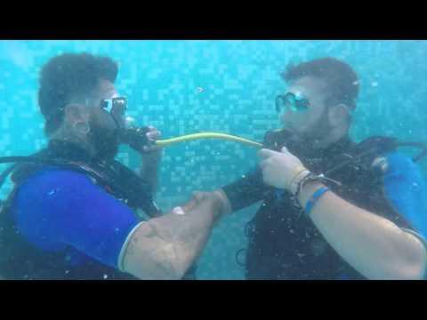 PADI OW course - Swimming pool skills