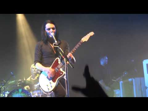 Placebo - Too Many Friends (live Arena de Genève 24/11/13)