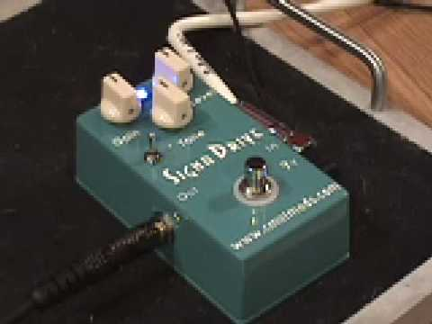 Cmatmods Signa Drive Guitar Effects Pedal Demo W Gibson Les Paul & Fender Blues Jr Amp