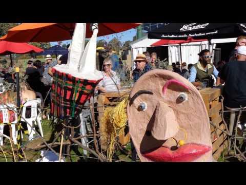 Saturday @ The National Folk Festival, Canberra, 2017.Photo Slideshow.