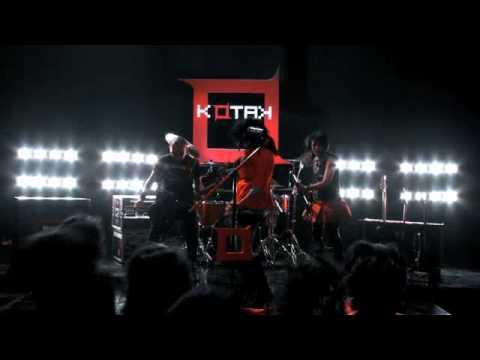 KOTAK BAND-BERAKSI (karaoke version)
