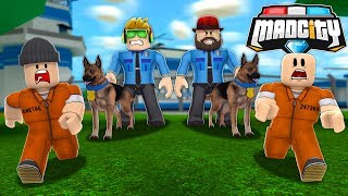MY CUTE POLICE DOG CATCHING ALL THE CRIMINALS in ROBLOX MAD CITY