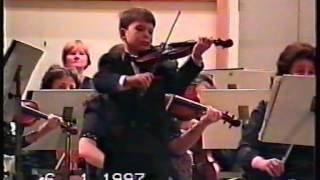 Бах. Концерт ля минор для скрипки с оркестром. 1-я часть. Исполняет Коля Алтынов (9 лет).