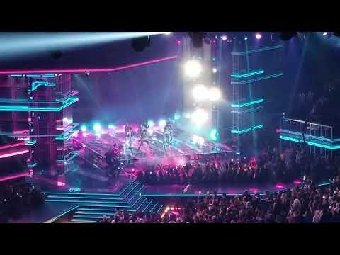 BTS Fake Love Performance at Billboard music awards