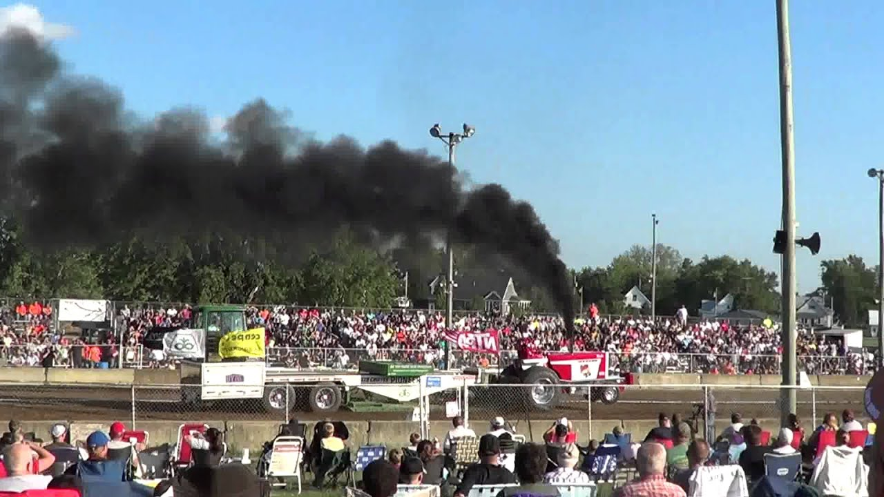 Ft recovery ohio tractor pull
