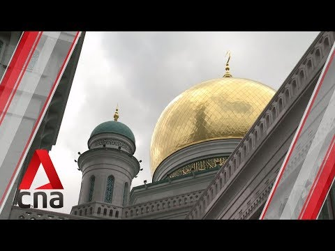 Mosques In Moscow Overflowing During Ramadan
