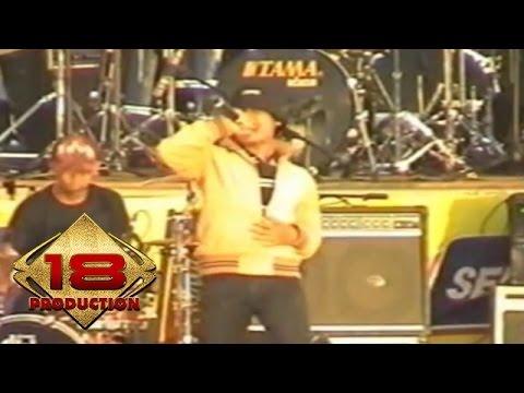 Opening Band (Live Konser Jember 06 November 2005)
