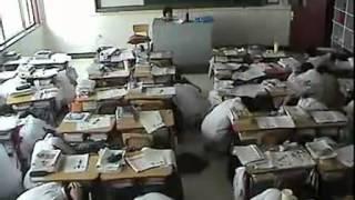唐山5月28日发生4 8级地震瞬间学校有序疏散