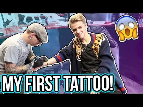 I GOT MY FIRST TATTOO IN LAS VEGAS!!