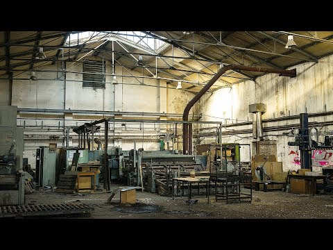 THIEF ENCOUNTER! Huge Machines Left Behind in Abandoned Factory - Urbex Lost Places Germany