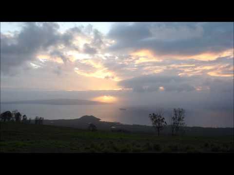 Eerie Kula Sunset ~ Hawaii Web Cam ~ Maui Beach Cam ~ Kula on Maui