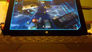 Halo: Spartan Assault gameplay with Xbox 360 controller on Surface RT.
