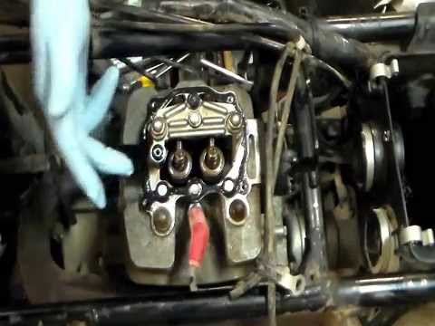 how to rebuild top end on honda 350 atv part 2 youtube