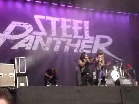 """Girl from Oklahoma"" Steel Panther live in Wacken 31-7-2014"