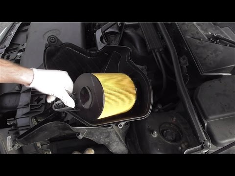 T2BMW120 BMW E87 120i Part 1 : Air Filter Change Removal
