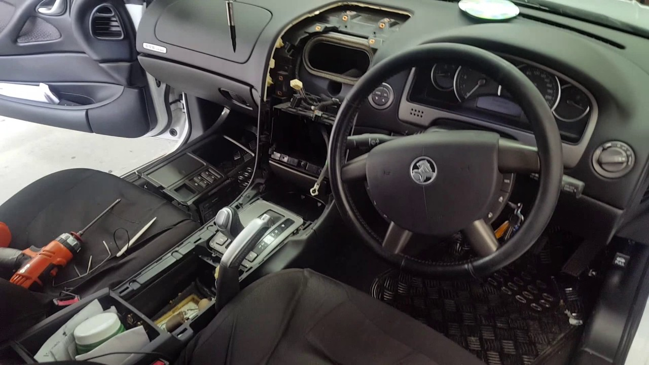 how to install a head unit into a holden pontiac chevrolet commodore vz [ 1280 x 720 Pixel ]