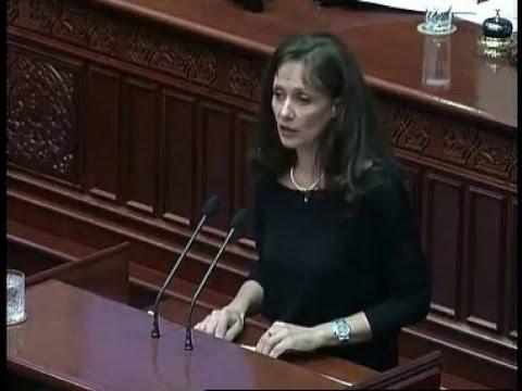 Куновска: Овој закон е за нов бизнис на фамилијата во з�...