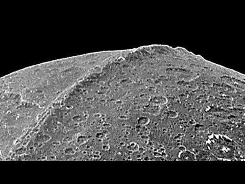 Saturn Moon Iapetus's Giant Ice Avalanches: Mystery Solved ...