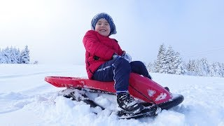 Yusuf Karda Kızakla Kaydı |  Fun Snow Sled for Kids