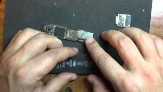 видео Красный экран смерти iPhone 5s ,замена шлейфа!