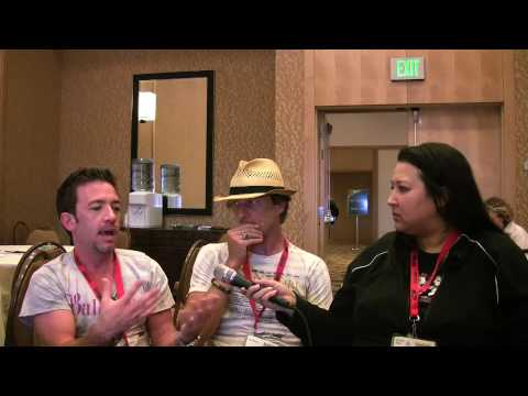 Star-ving at SDCC with David Faustino and Corin Nemec pt 1
