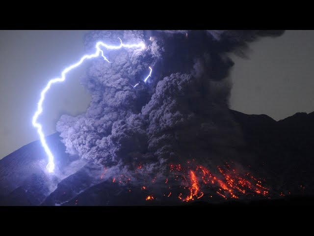 volcanic-lightning-wtf-weather