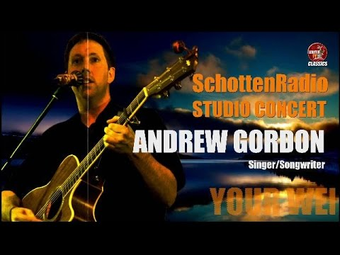 SchottenTV Studio Concert • Andrew Gordon live on stage