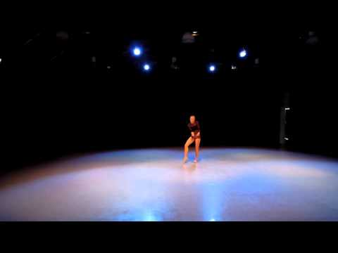 Eloise dances at Rambert Ballet School