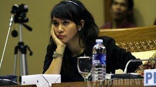 BENARKAH ? Pemecatan Nova Riyanti Karena Dukung Jokowi