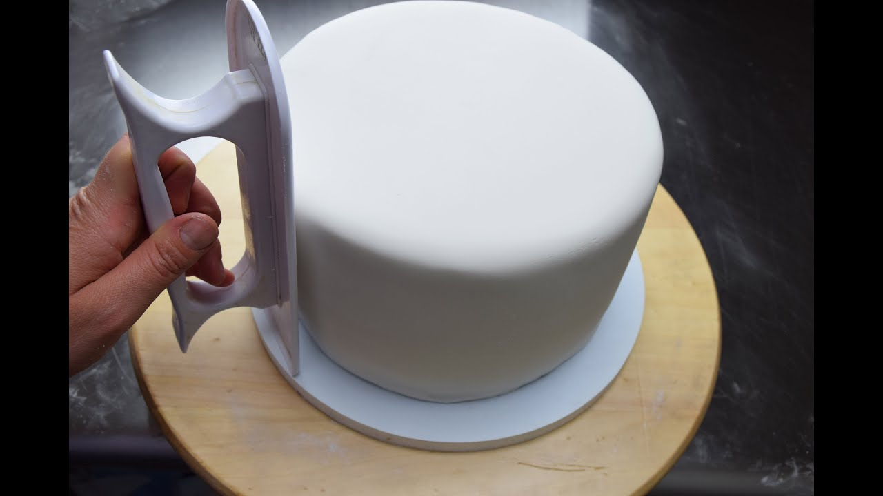 How To Cover A Cake In Fondant Icing