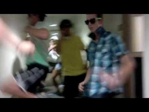 Textin' On My BikeEvan C. Bird ** VIDEO** feat DRN 4th FLOOR