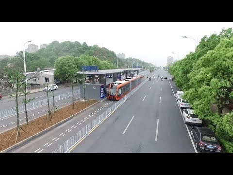 World's first smart bus begins test operation in central China