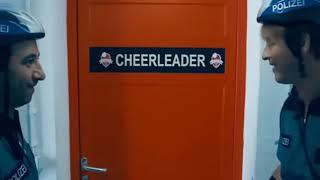 Nude cheerleaders / animadoras desnudas