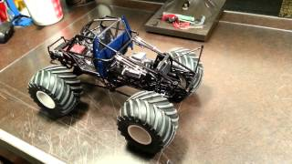 AMT 1/25 scale Bigfoot Monster Truck build 05