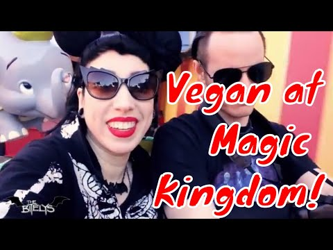 Vegan at Magic Kingdom - Walt Disney World! Pecos Bill Cafe, Haunted Mansion, Thunder Mountain, etc.