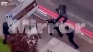Repeat youtube video La sparatoria di Londra dopo la decapitazione del soldato