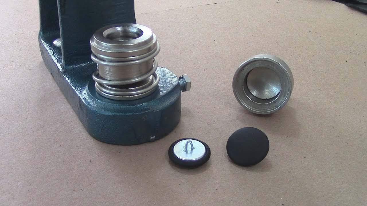 Upholstery Buttons In Leather Youtube
