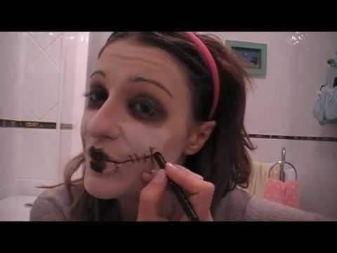 Maquillaje de mu eca de halloween pintarse de zombie for Pinturas de cara para halloween