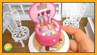 Hộp trang điểm làm bằng bánh kem tí hon - Makeup box with cake