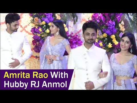 Vivah Actress Amrita Rao With Real Husband RJ Anmol Looks Simply Gorgeous !